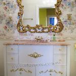 22.деревянная мебель в ванну