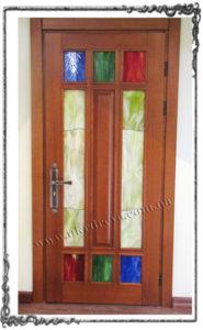 Derevyannaya dver Lyubomila